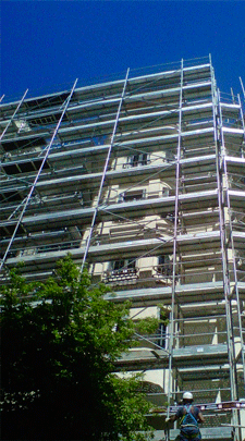 Mutidirectional scaffolding